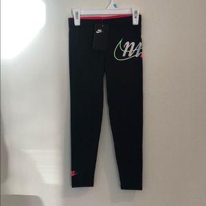 Girls Nike leggings
